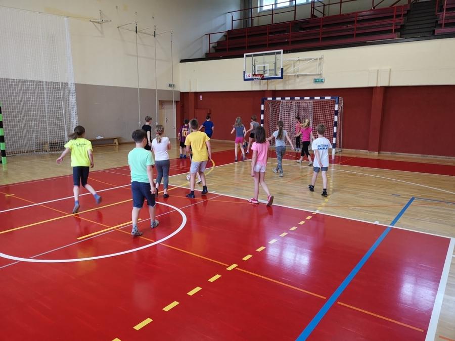 Igre v telovadnici